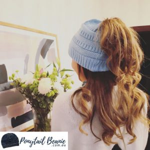 Ponytail beanie sky blue